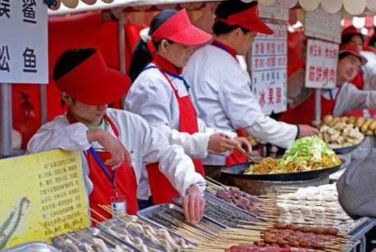 中国「露店」経済の新しいカタチ…